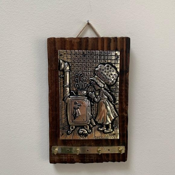 SOLD! Vintage key hanger